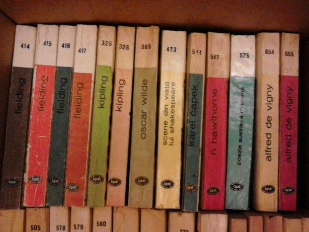 """Vand 50 de volume din colectia """"Biblioteca pentru toti"""""""