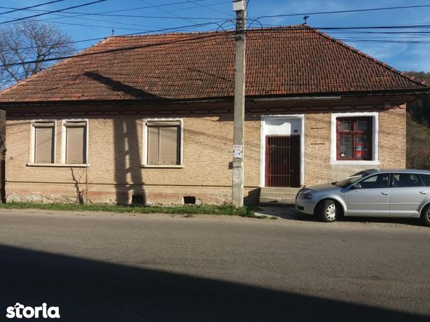 Casa individuala 5 camere si teren de 2.233 mp in Sinca Noua- cod 4173
