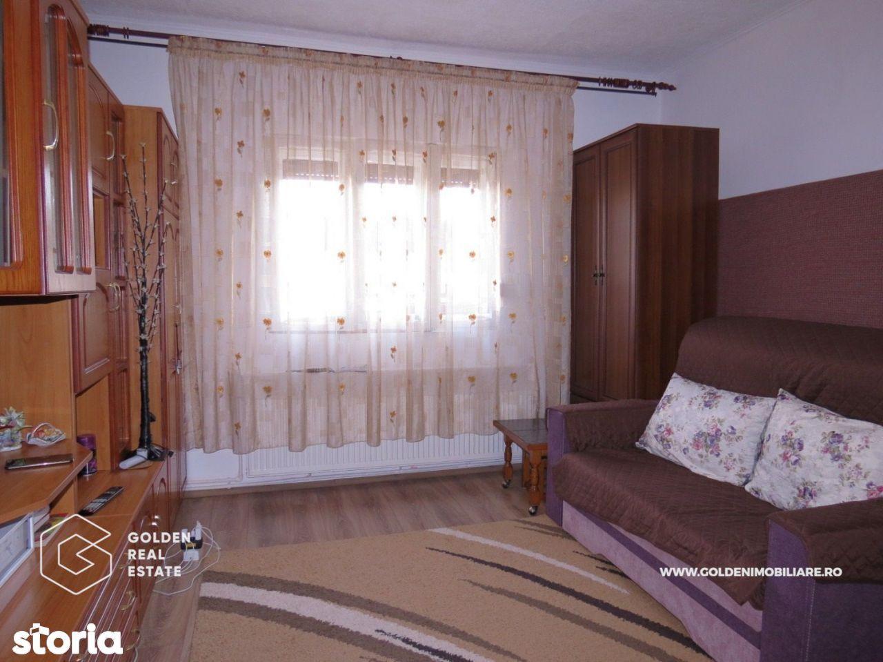 Apartament 1 camera la casa, centrala termica, Parneava