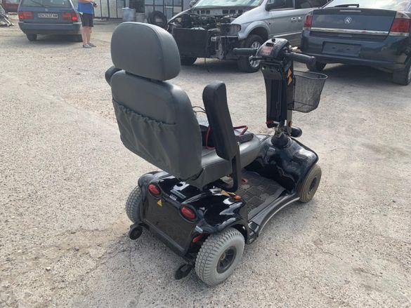 Скутер за трудно подвижни хора