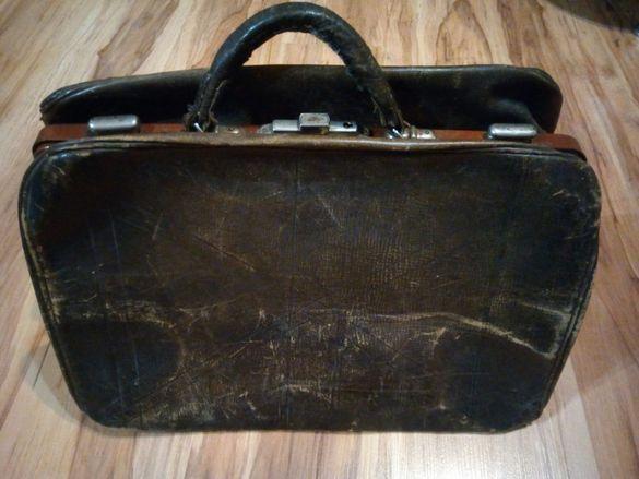 Много стар кожен куфар антика