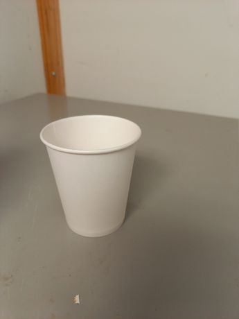 Одноразовые стакан