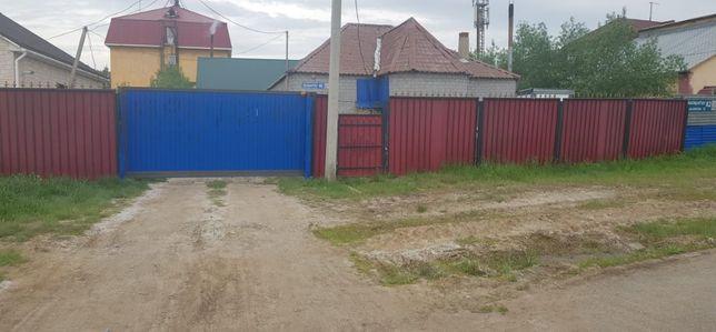 Два дома на одном участке. Рядом Хазрет-Султан