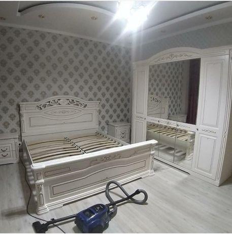 """Спальный гарнитур """"Рамина """" 5дв белая/ золото дёшево мебель со склада"""