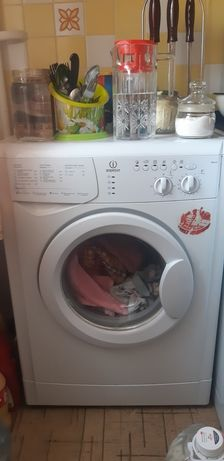 Срочно продам стиральную машинку в отличном рабочем состоянии