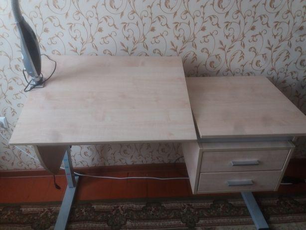 Парта для ученика Российский за 700000 + шкаф отдельно за 20000
