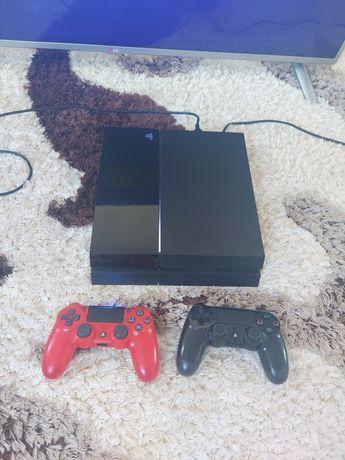 Продам ПС4. PS4 с 2 джойстиками.