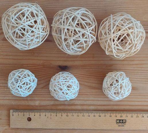 120 Globuri de lemn decorative / Sfere din ratan