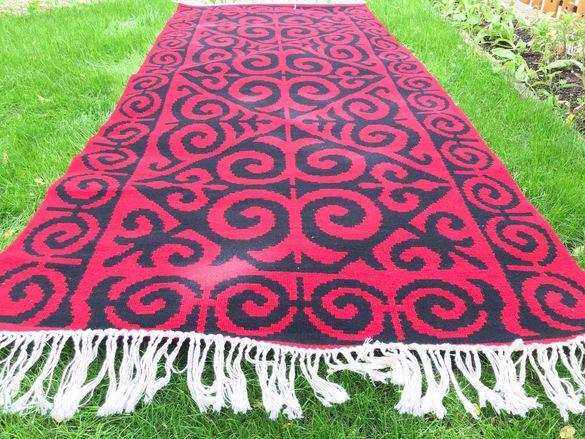 ръчно изработен вълнен килим \пътека