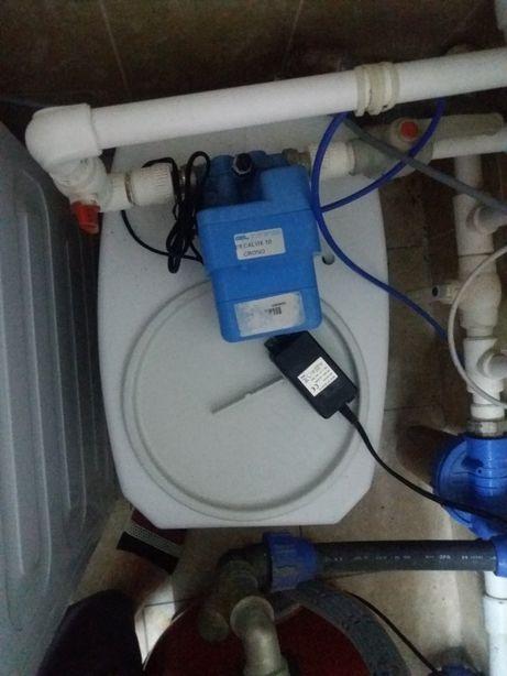 Vînd dedurizator apă decalux 10 crono cu tablete de sare