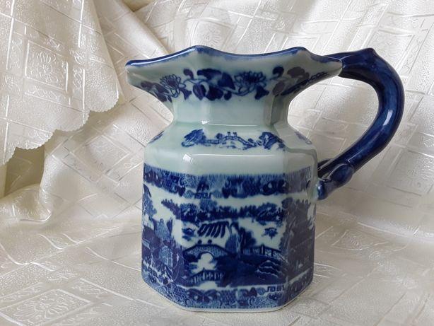 Carafa, ceramica victoriană, de colecție prezinta marcaj