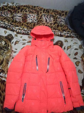 Продам зимнюю куртку от горнолыжного костюма