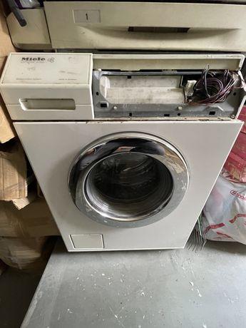Продам стиральную машинку Miele Softronic W3266