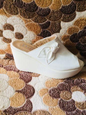 Шлепанцы Белые 36 размер