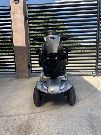 Scuter electric Invacare Leo 4 pentru persoanele cu dizabilitati