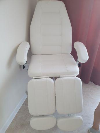 Педикюрный кресло.