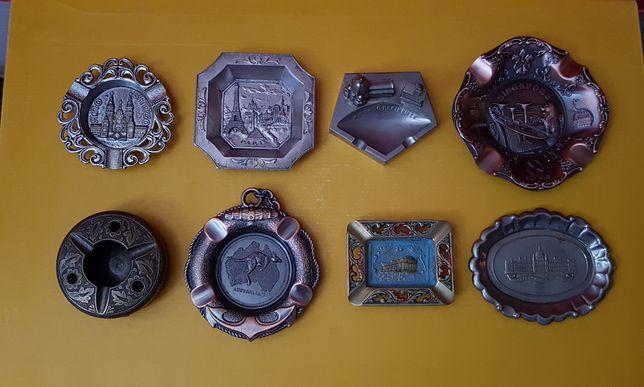 Lot scrumiere turistice, metalice, de colecție