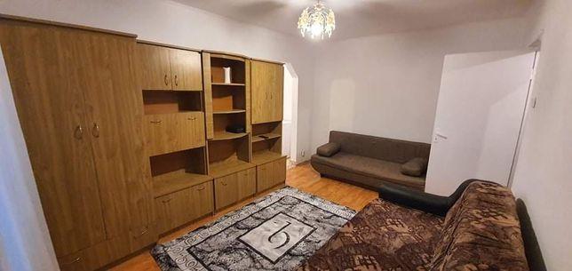 Vand apartament 2 camere in Rogerius