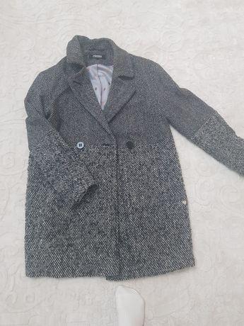 Пальто от бренда и куртка Columbia
