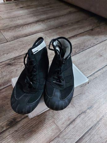Продам разную обувь