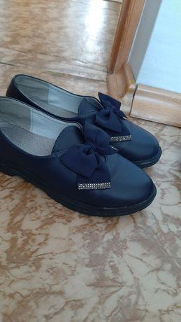 Туфли в школу 3500 .т.