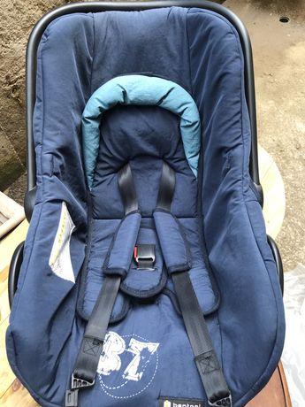 Столче за кола и количка за новородено
