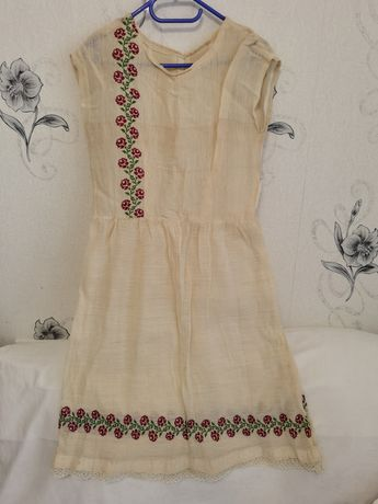 Антична рокля от кенар
