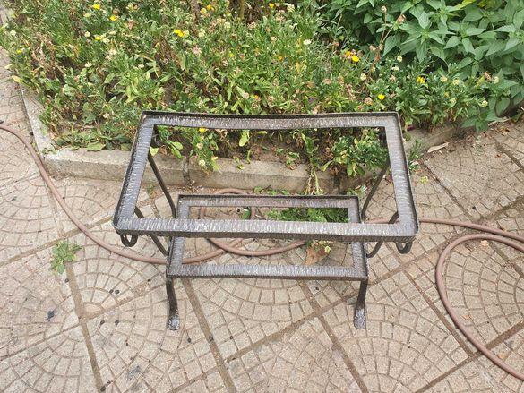 Мебели от ковано желязо - 2 бр. маси и 1 бр. нощна лампа