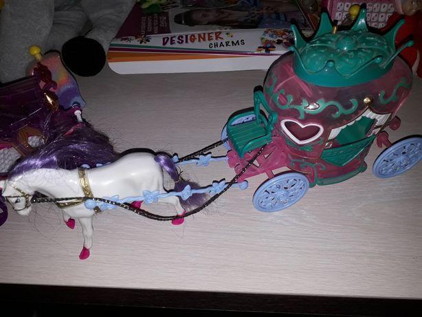Jucării trăsură castel