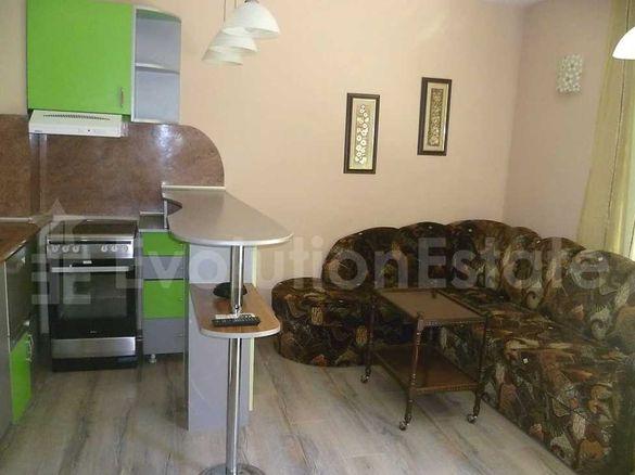 Тристаен апартамент в район Гръцка махала