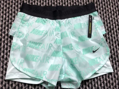 Nike standard fit size XS