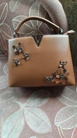 Чисто нова дамска чанта