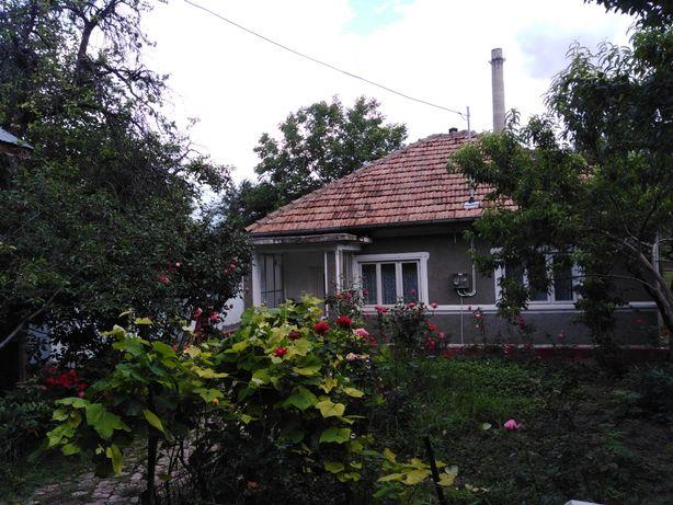 Vând casă locuibila + teren, Sătuc