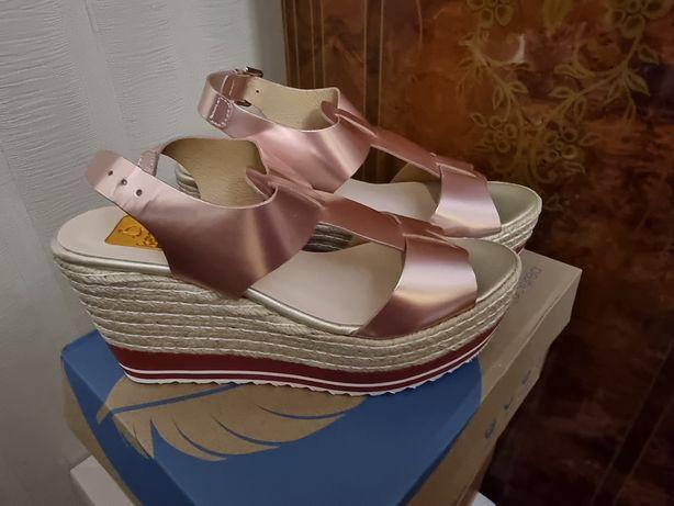 Обувь летняя розовый цвет, туфли осенние чёрный цвет