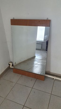 Зеркало 70×110см срочно
