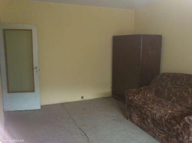 Vând apartament 2 camere,decomandat, 65 mp, ZLATNA
