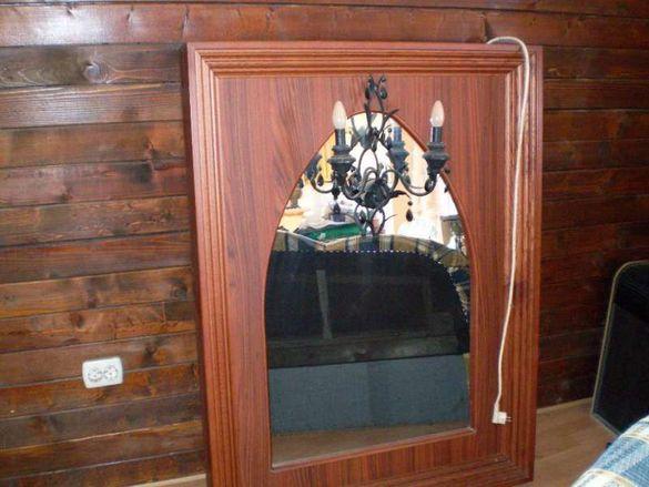Старино огледало с вграден аплик с черни кристали