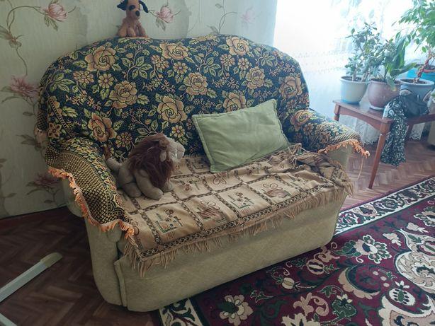 Набор мебели (два дивана и кресло)