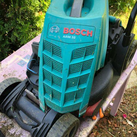 Косачка за трева Bosch ARM 32 електрическа 1200W 32cm 4колела НА ЧАСТИ