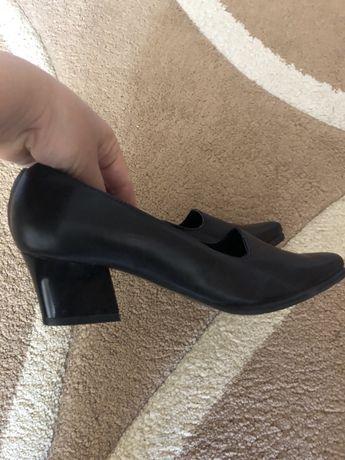 Туфли новые,кожаные,размер 35.