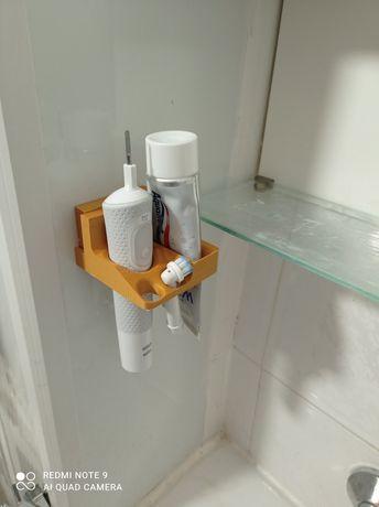 Поставка за електрическа четка за зъби и паста