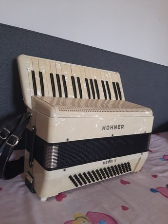 Vand acordeon Hohner Verdi ll cu 80 de basi