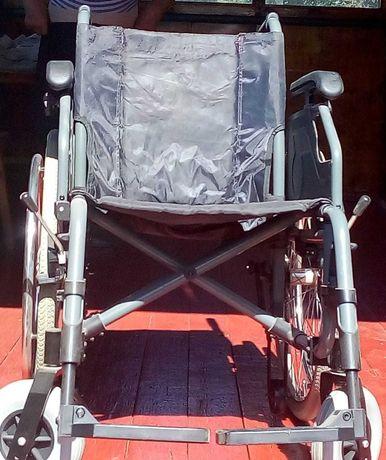 продам прогулочное инвалидное кресло