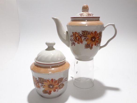 Руски порцеланов комплект,чайник и захарница.Винтидж60-те,,Барановка,,