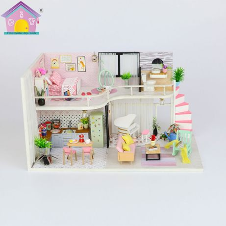 Casa de papusi in miniatura , Diorama din lemn 3D luminata