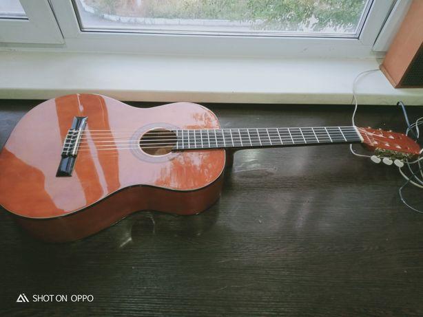 Продам гитару для начинающих