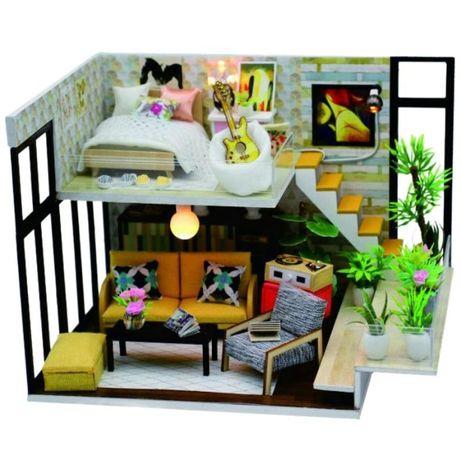 Casa de papusi Diorama din lemn 3D luminata -living-dormitor suspendat