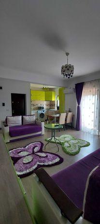 Inchiriez apartament cu doua camere in zona Mamaia Nord