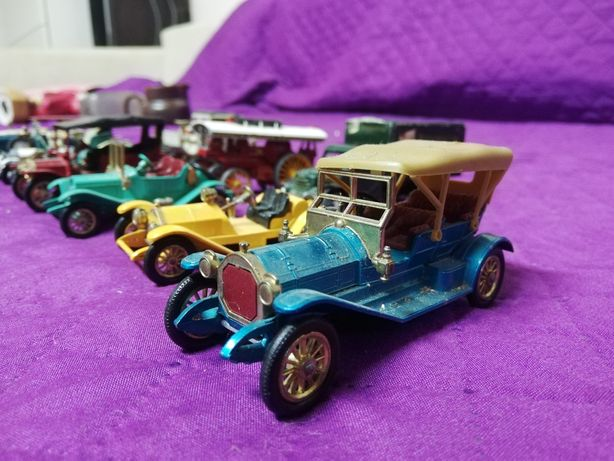 Micro Machete 7-12 cm... 15 mașinuțe