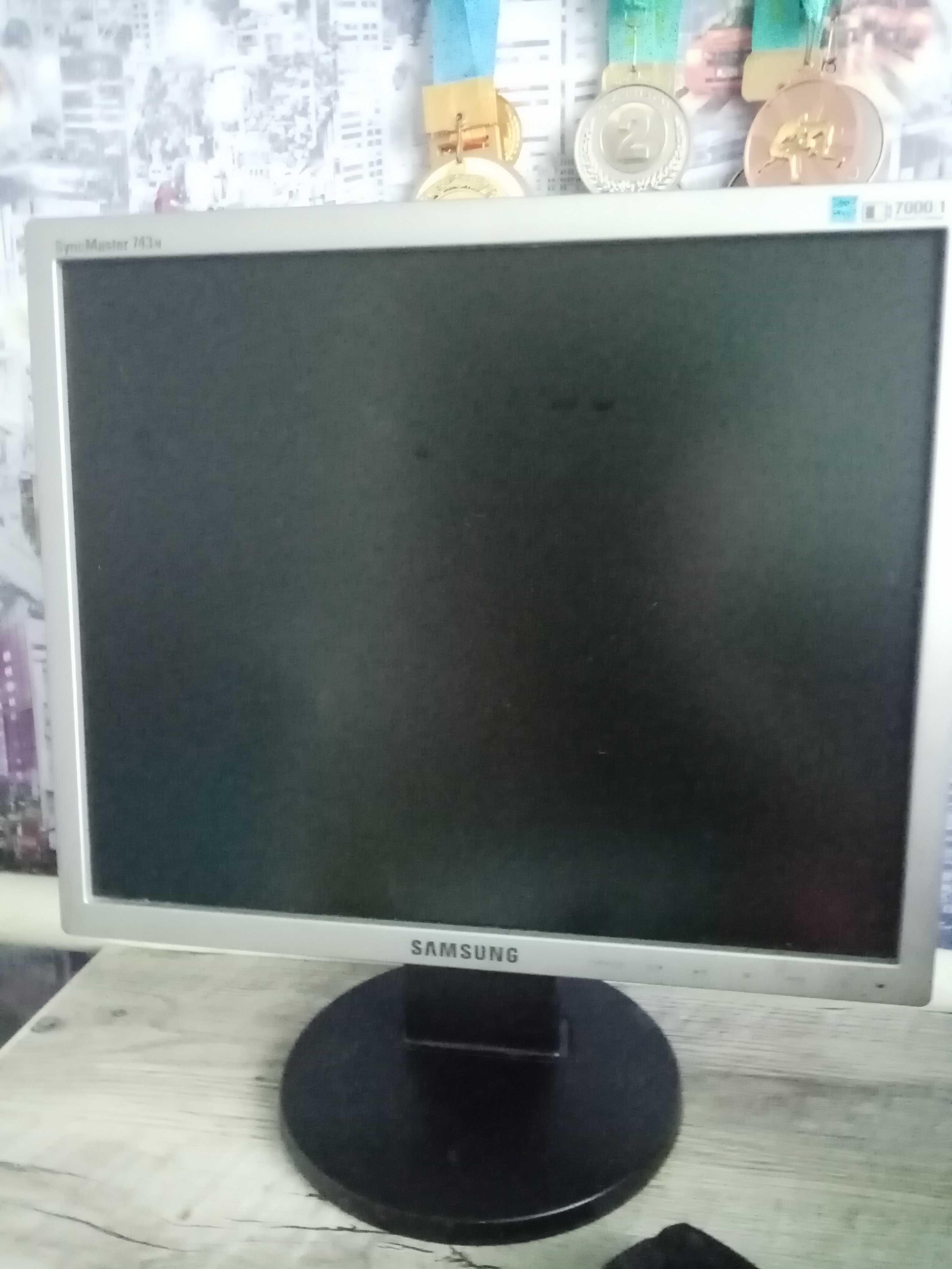 Samsung SyncMaster 743n